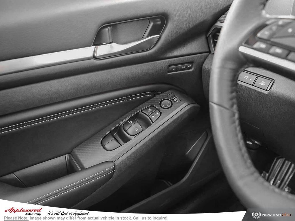 Nissan Altima 2.5 Platinum Vehicle Details Image