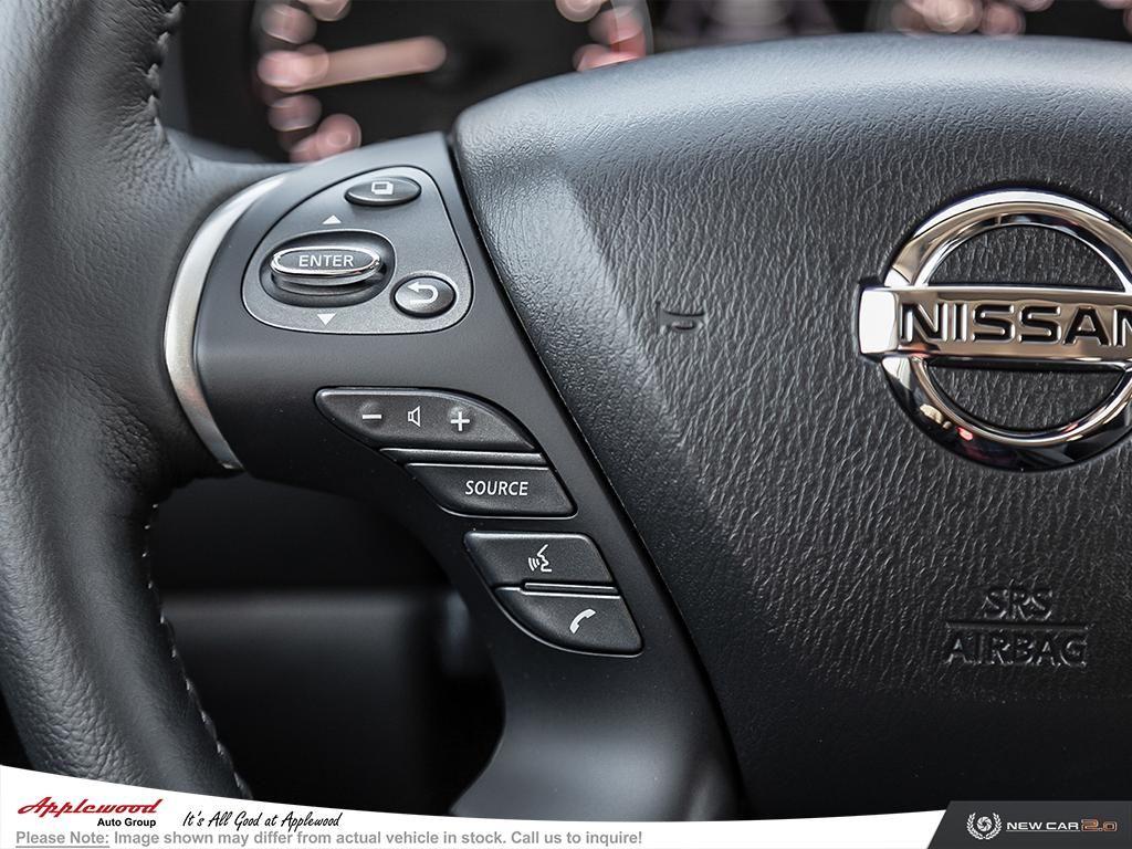 Nissan Pathfinder Platinum Vehicle Details Image