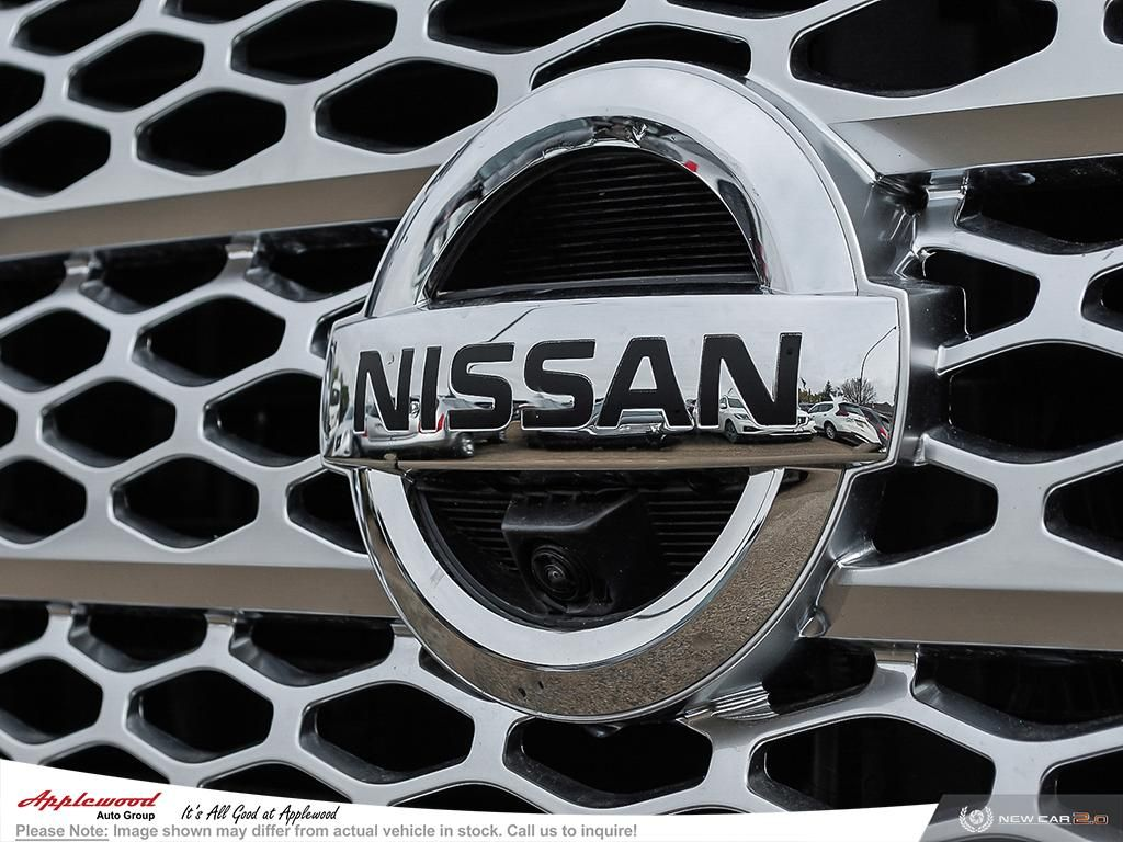 Nissan Titan Platinum Vehicle Details Image