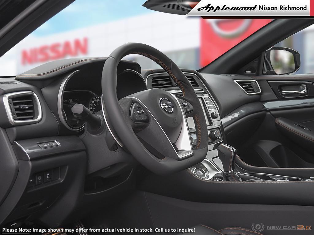Nissan Maxima SR Vehicle Details Image