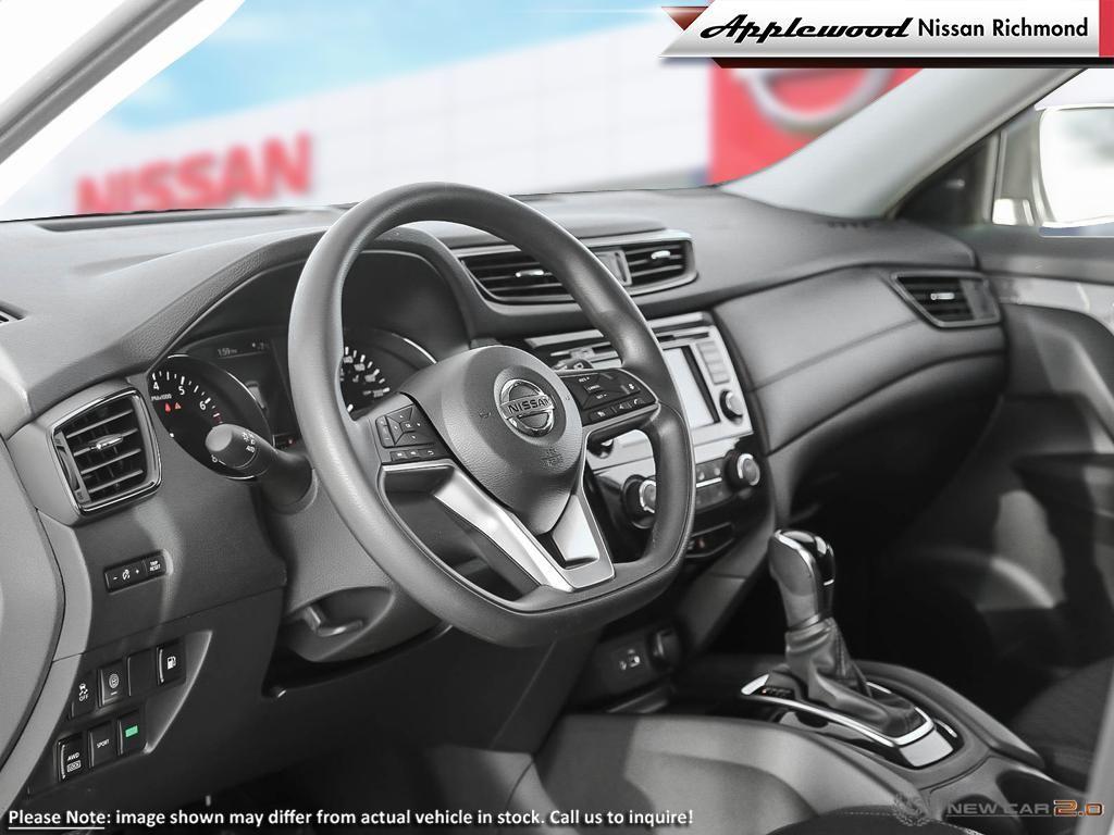 Nissan Rogue SV Vehicle Details Image
